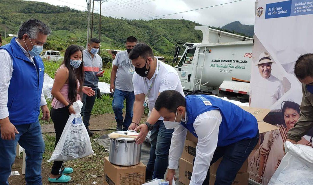Entrega de ayudas humanitarias a familias desplazadas por la violencia en Nariño