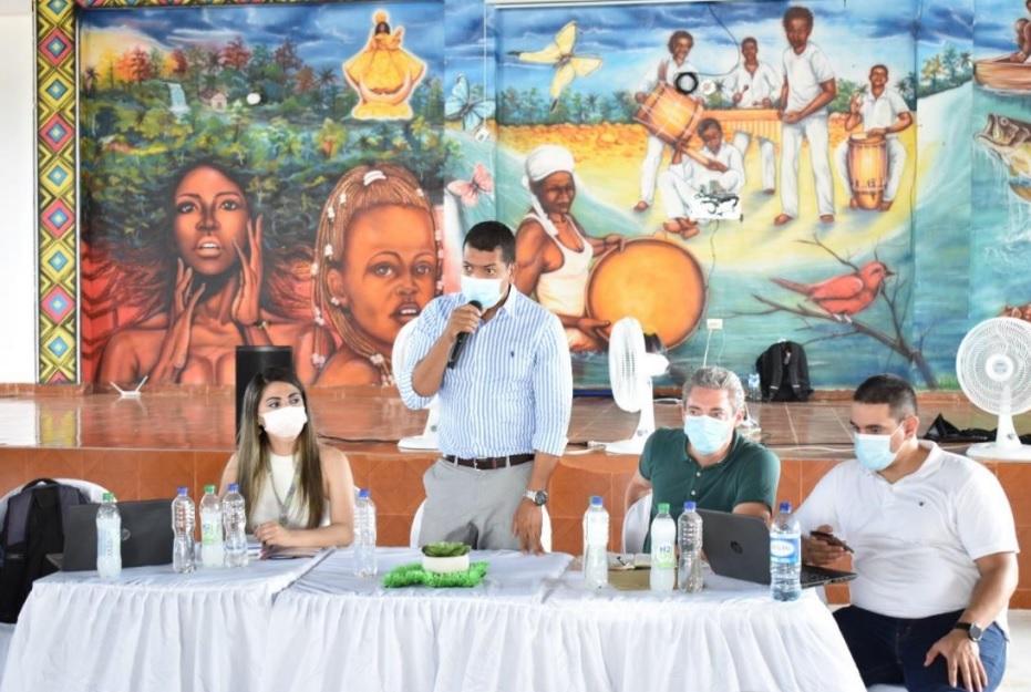 Gobernación de Nariño y Superintendencia de Servicios Públicos atienden quejas de comunidad en la Costa Pacífica
