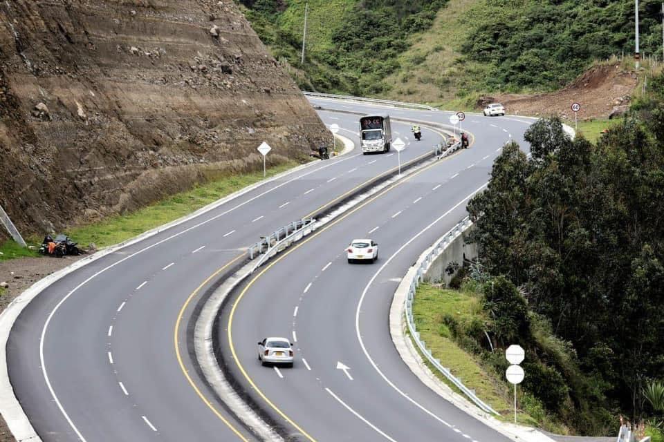 Gobernación lidera gestión para culminación de tramos inconclusos en doble calzada Rumichaca – Pasto