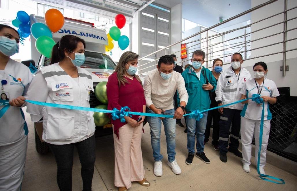 Gobernador de Nariño entregó ambulancia nueva a E.S.E Pasto Salud y comprometió su apoyo para construcción de nuevo Hospital Lorenzo de Aldana
