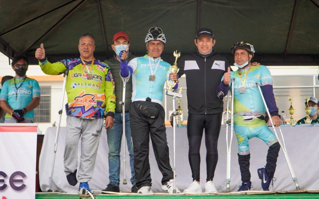 Gobernador de Nariño entregó reconocimiento a los 3 mejores de la categoría Handcycling.